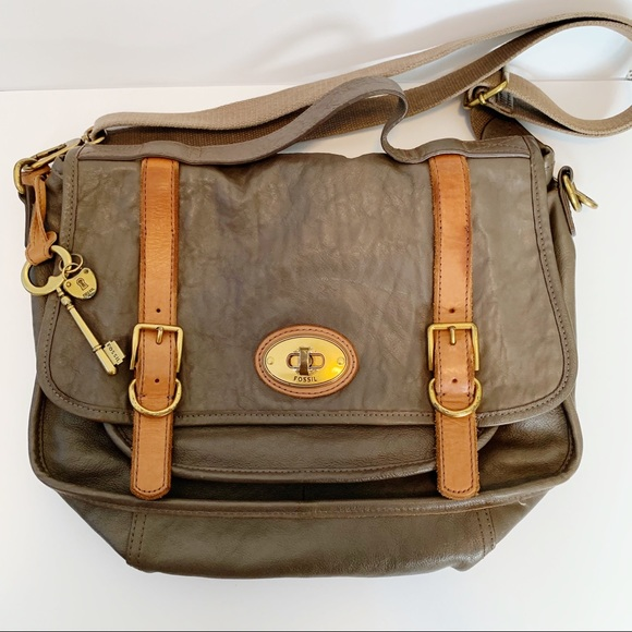 28889ce31 Fossil Handbags - Fossil Long Live Vintage Messenger Bag Issue 54